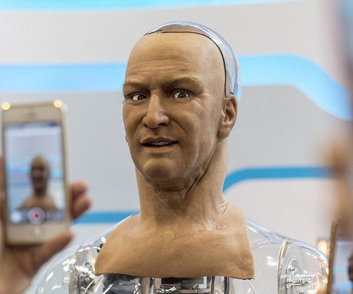 Amazing Humanoid Robot That Can Make Lifelike Facial