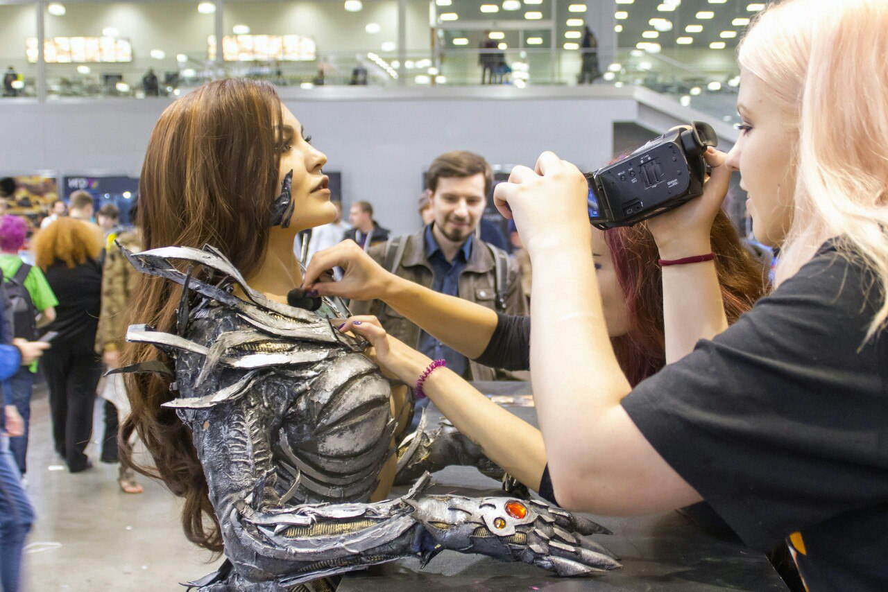Christina Fink Does a Mean Witchblade Cosplay